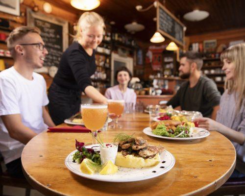 https://dmo.visitkarelia.fi/files/vk-harri-tarvainen-restaurant-jpg.jpg